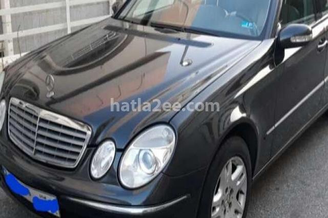 E 320 Mercedes أسود