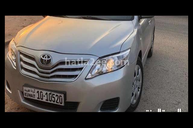 Camry Toyota فضي