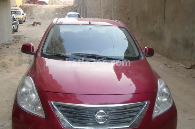 Sunny Nissan Dark red