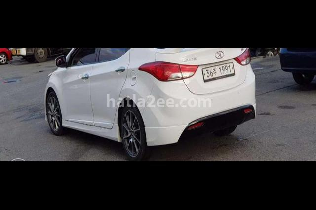 Elantra MD Hyundai أبيض