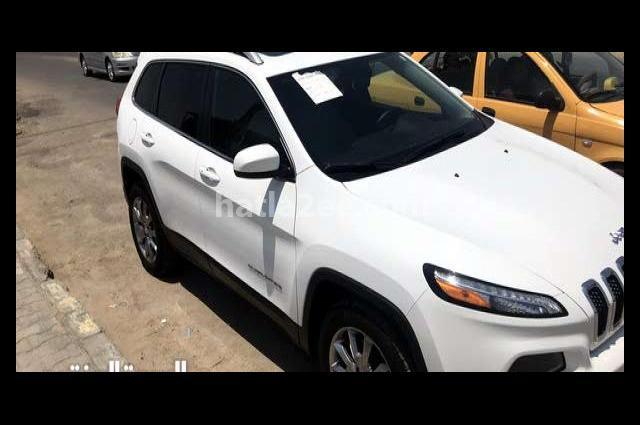Grand Cherokee Jeep White