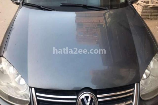 Jetta Volkswagen رمادي