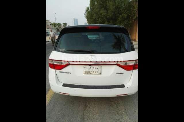 Odyssey Honda أبيض