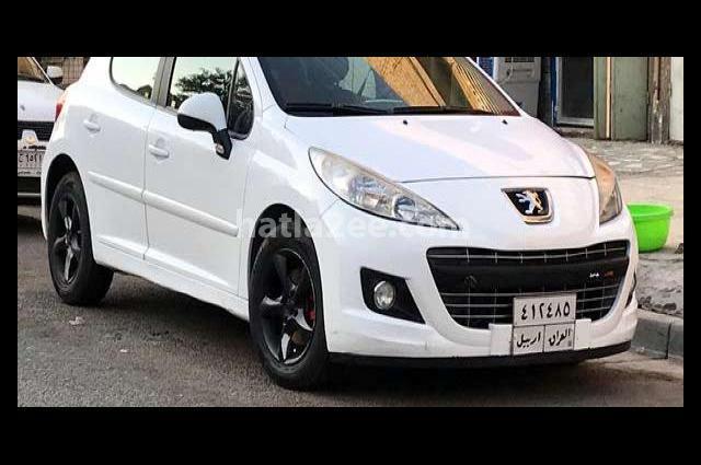 207 Peugeot أبيض