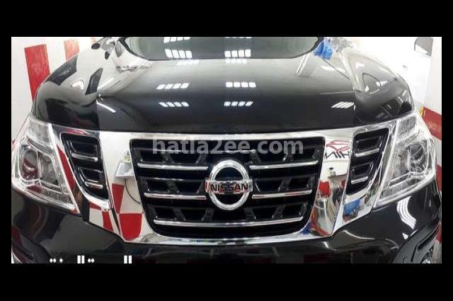 Patrol Nissan أسود