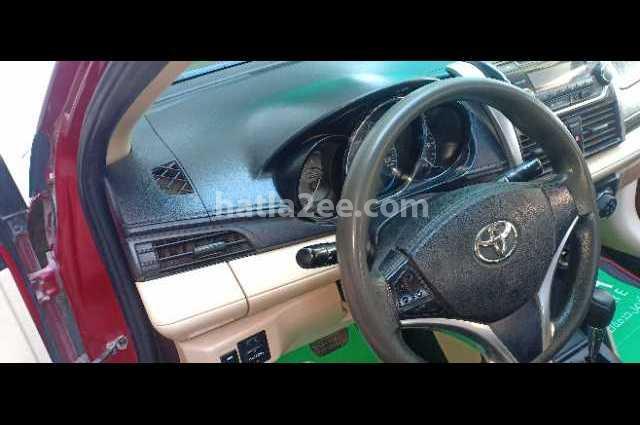 Yaris Toyota Red