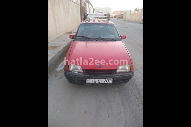 Kadett Opel احمر