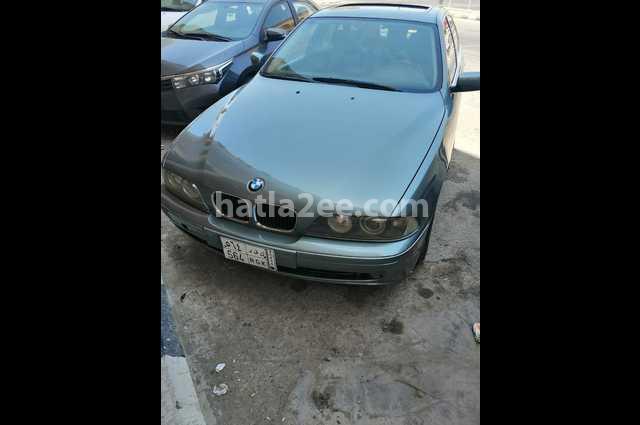525 BMW أخضر