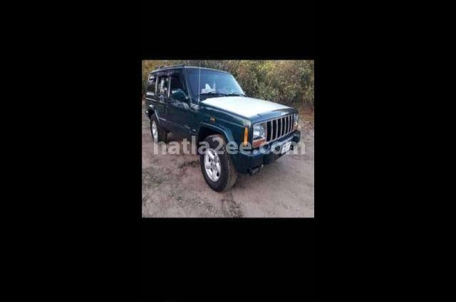 Cherokee Jeep اخضر غامق