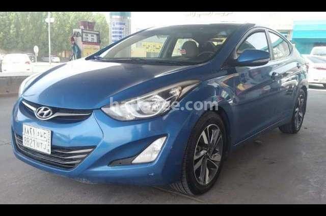 Elantra Hyundai أزرق