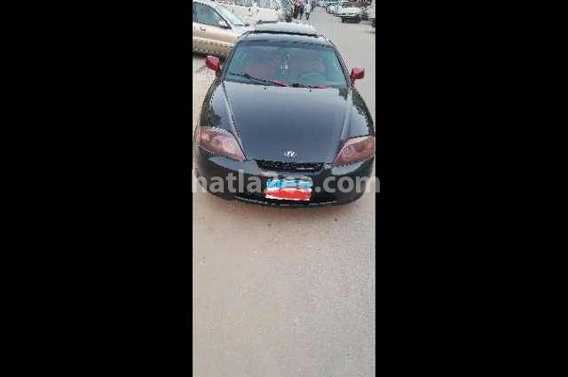 Coupe Hyundai أسود