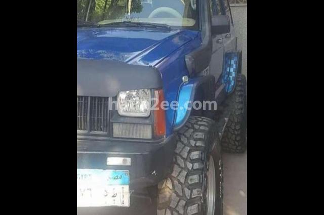 Grand Cherokee Jeep أزرق