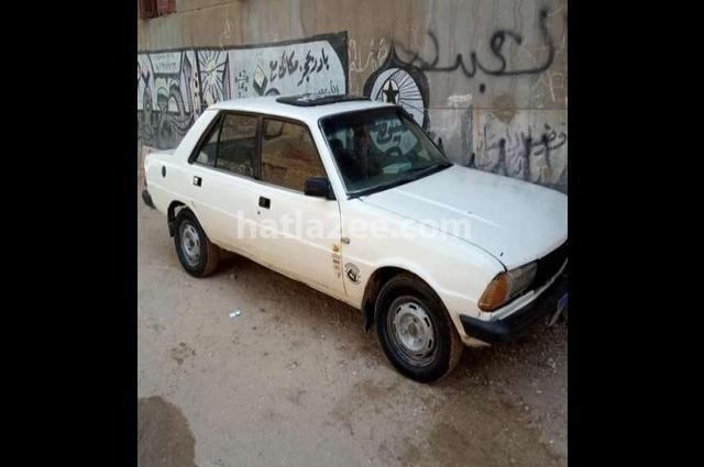 305 Peugeot أبيض