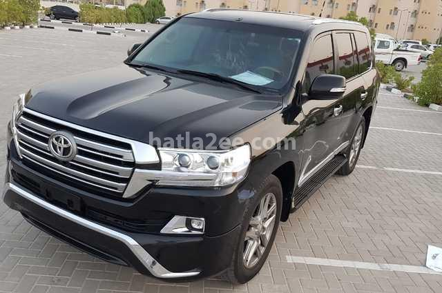 Land Cruiser Toyota أسود