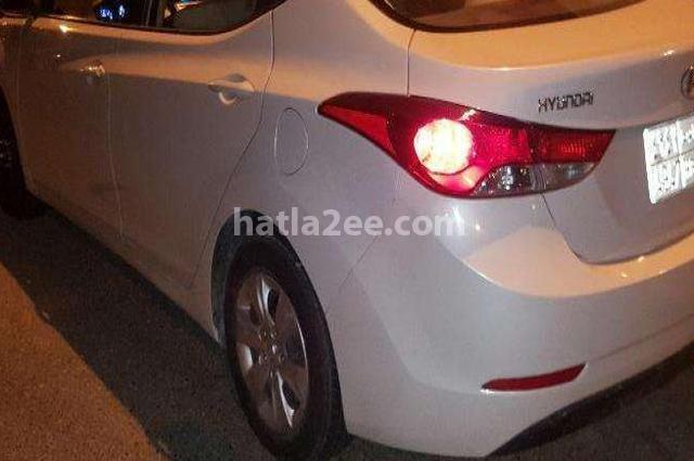Elantra Hyundai White