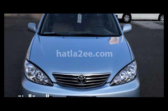 Camry Toyota أزرق