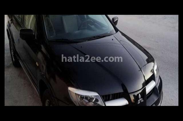 Outlander Mitsubishi Black