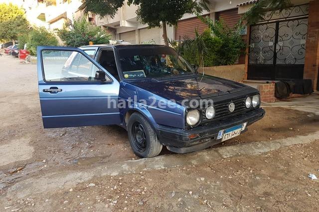 Golf Volkswagen الأزرق الداكن