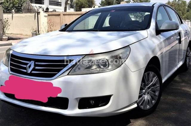 Safran Renault أبيض