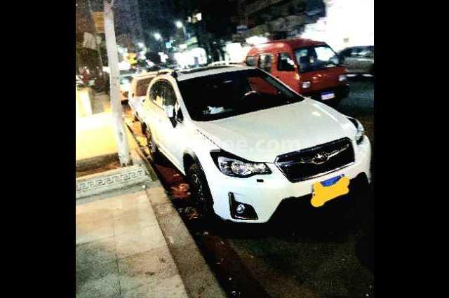 XV Subaru أبيض