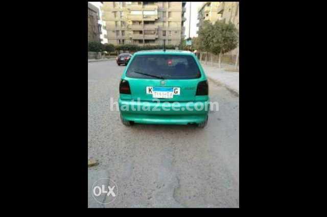 Polo Volkswagen أخضر
