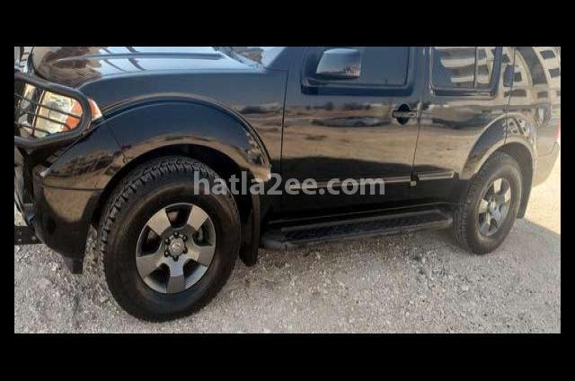 Pathfinder Nissan Black