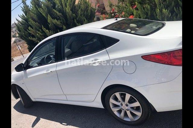 Accent Hyundai أبيض