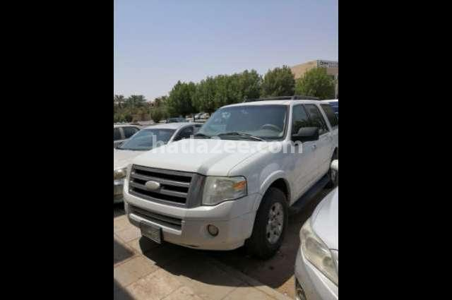 Expedition Ford أبيض
