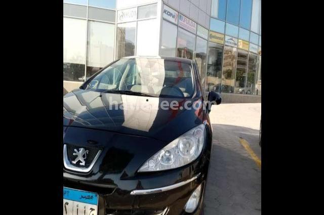 408 Peugeot أسود