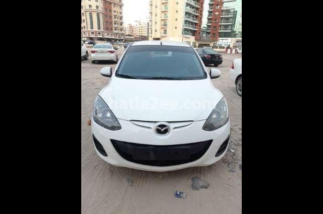 Mazda 2 Mazda أبيض