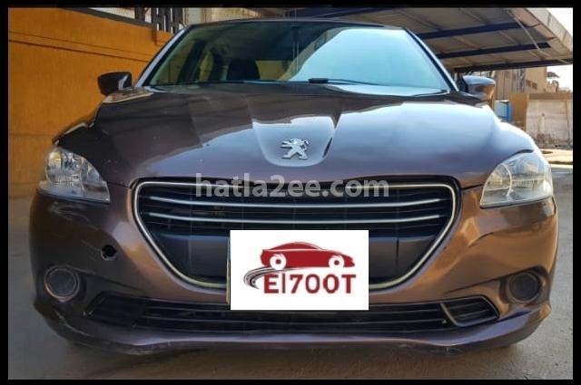 301 Peugeot بني