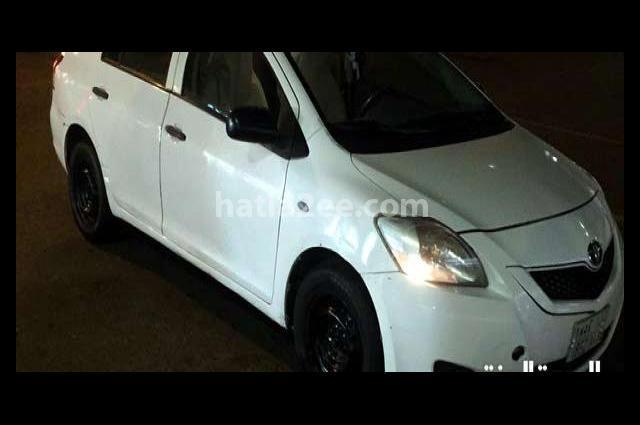 Yaris Toyota 2012 Jeddah White 2787624 - Car for sale : Hatla2ee