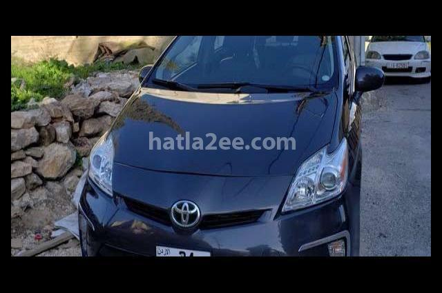 Prius Toyota رمادي