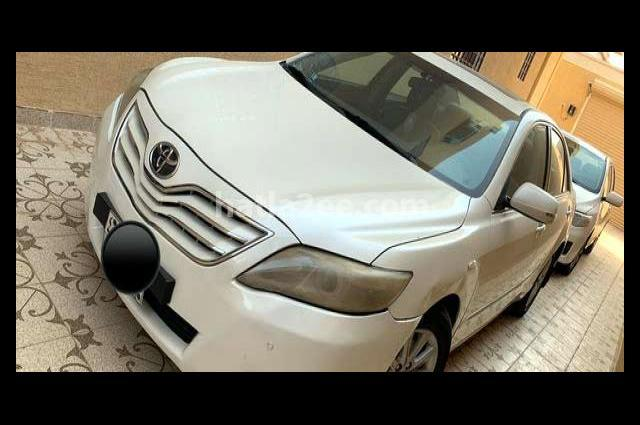 Camry Toyota 2011 Riyadh White 2788953 - Car for sale : Hatla2ee