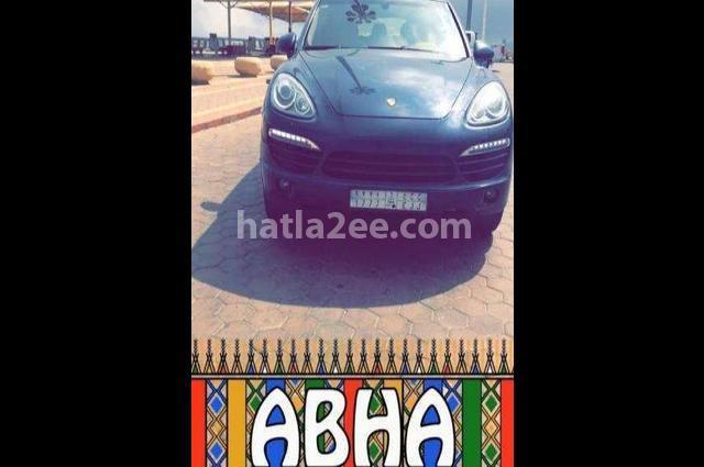 Cayenne Porsche أسود