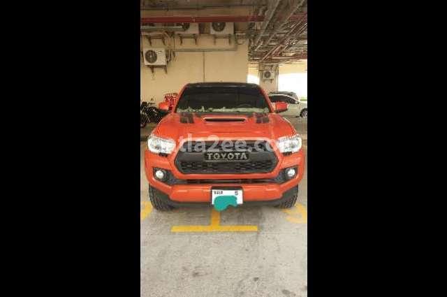 Tacoma Toyota برتقالى