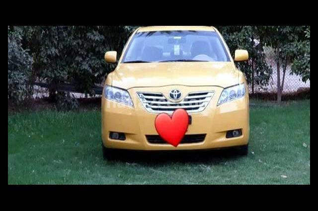 Camry Toyota اصفر