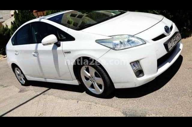 Prius Toyota أبيض