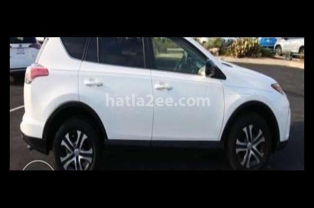 Rav 4 Toyota أبيض
