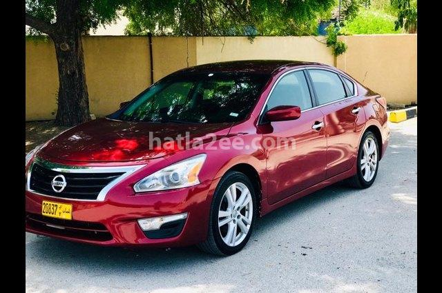 Altima Nissan Red