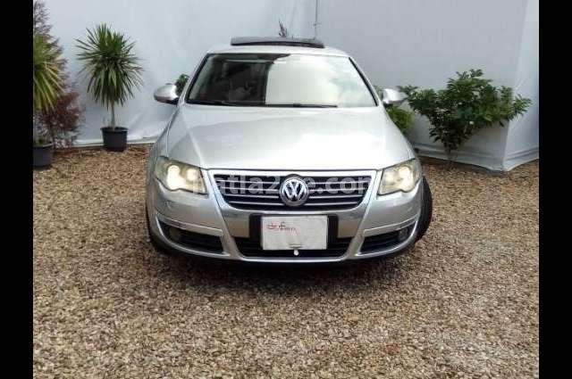 Passat Volkswagen فضي