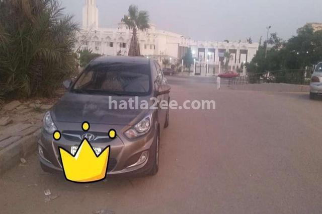 Accent Hyundai بني