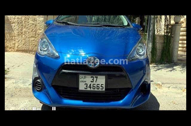 Prius Toyota Blue