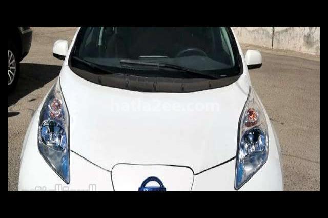 LEAF Nissan White