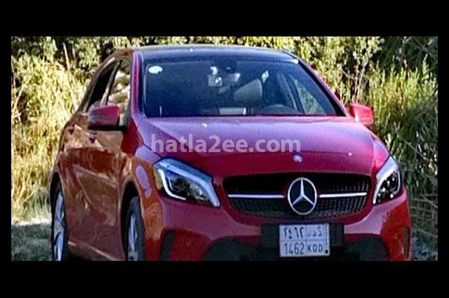 A  Class Mercedes احمر