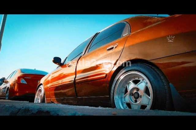 Lanos Chevrolet Red