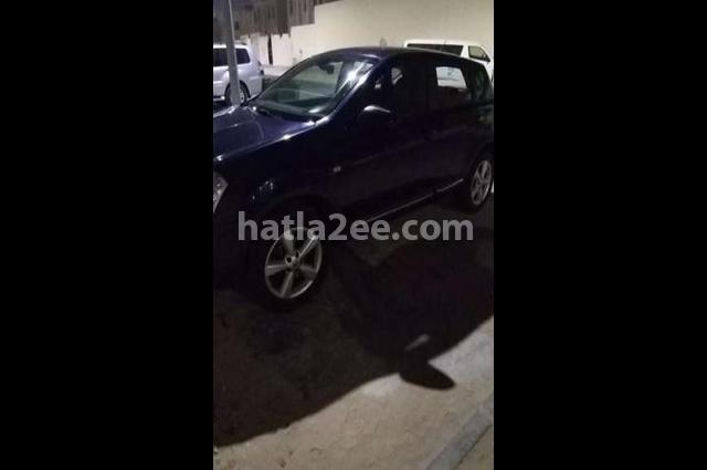 Qashqai Nissan الأزرق الداكن