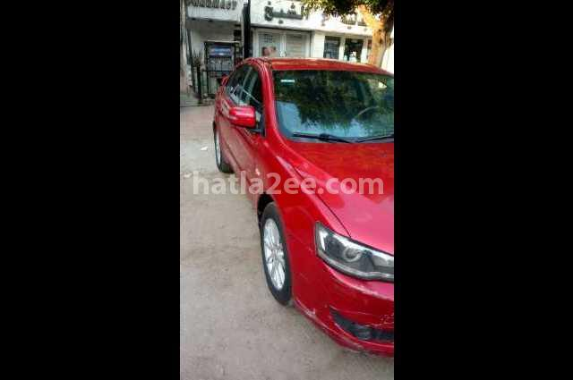 Lancer Mitsubishi احمر
