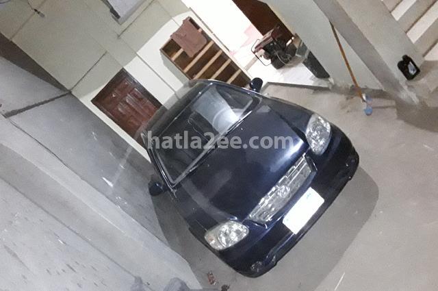 Verna Hyundai الأزرق الداكن