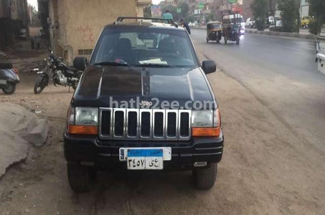 Grand Cherokee Jeep أسود